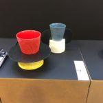 Fibra di carbonio e ceramica. Totem per la tavola
